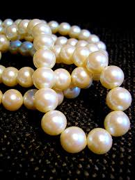 kinky words pearl necklace aurora glory