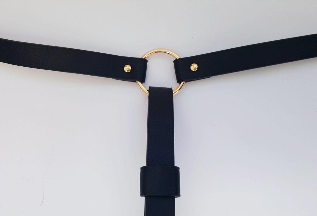 Bijoux Indiscrets Maze Shorts Garter Gold Loop