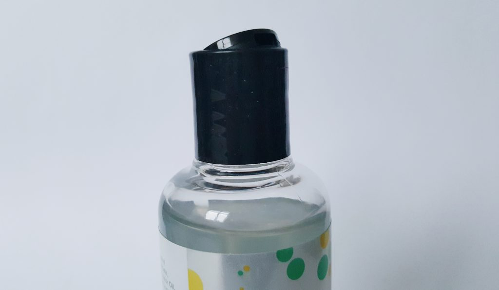 Image of the Lovehoney Gin & Tonic Flavoured Lubricant Cap. A black click down cap.